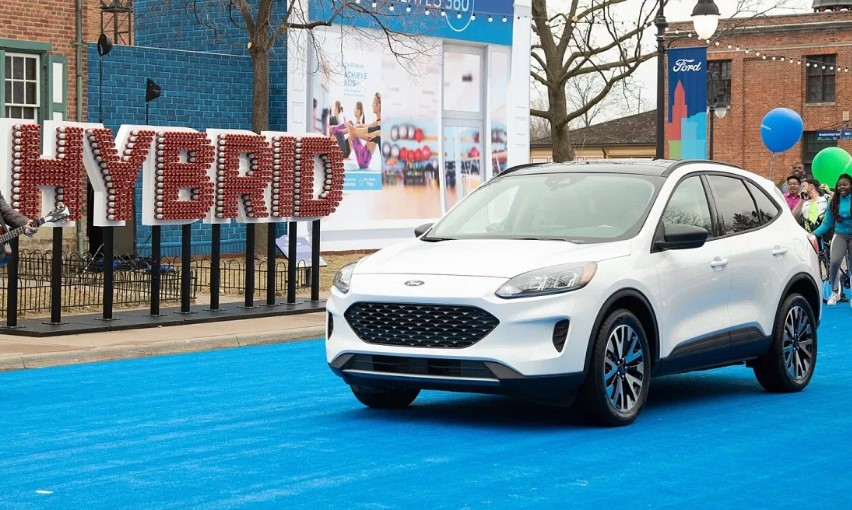 2020 Ford Escape Energi