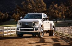 2020 Ford F-450 Super Duty Limited Crew Cab 4K Wallpaper