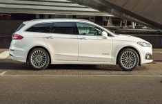 2020 Ford Mondeo Wagon Hybrid - Exterior Interior And Drive